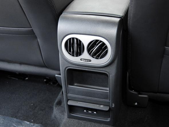 2015款 上汽大众 途观 1.8tsi 自动两驱舒适版